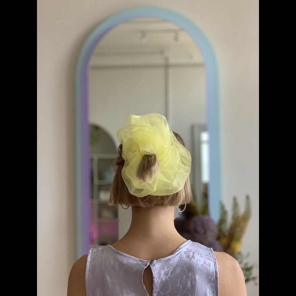 """""""Облак"""" за коса - неочакваният летен аксесоар"""