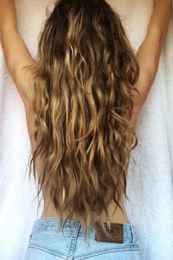 Обемна и секси лятна прическа: вълни в косите